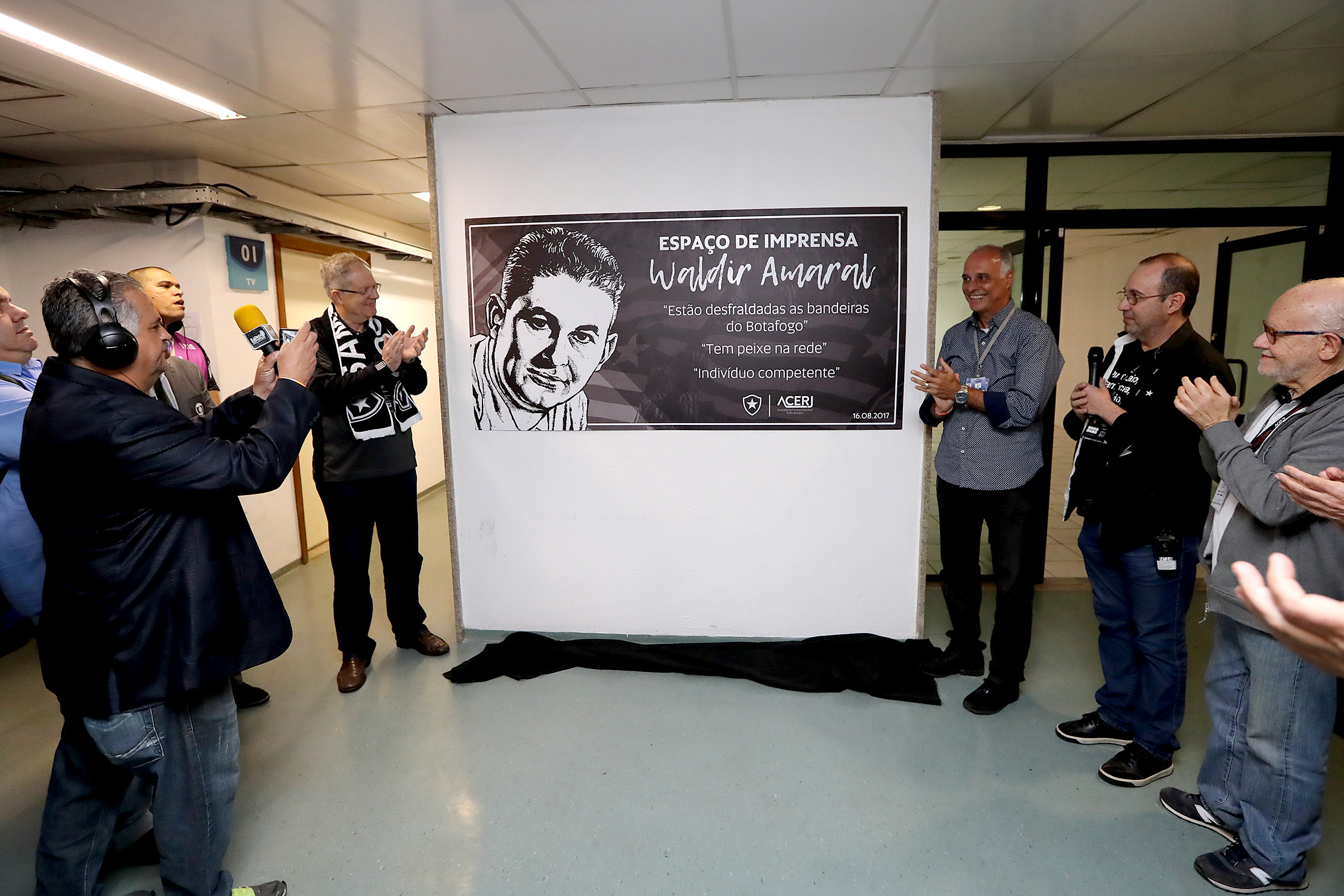 Acerj e Botafogo inauguram espaço de imprensa no Nilton Santos